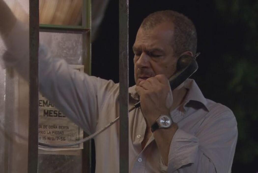El jefe de los mercenarios se reporta con el señor Restrepo, quien orden...