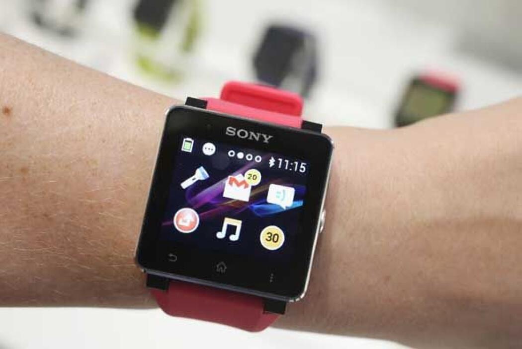El Smartwatch 2 mejora su estética, se emparenta via NFC o Bluetooth 3.0...
