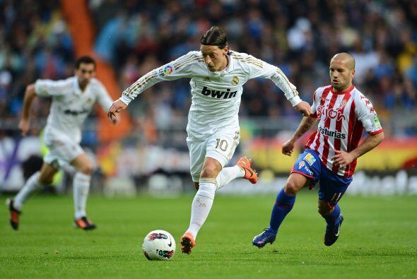 La fecha 33 de la Liga española inició con el partido entre el Real Madr...