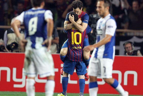 La dupla Messi-Fábregas se entiende muy bien y los hinchas los disfrutan.
