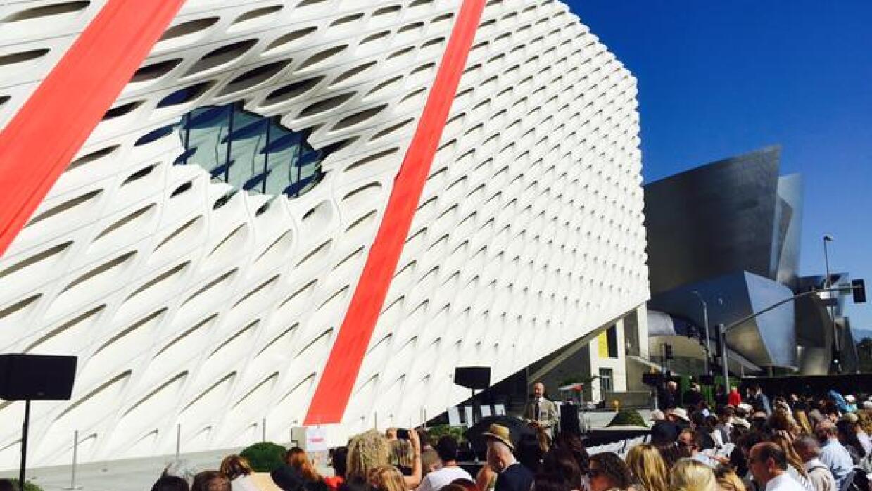Abre sus puertas al público el museo 'The Broad' en Los Angeles CPM45tkU...