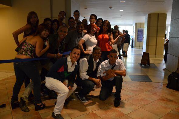 La alegría en el Caribe Hilton era evidente y los chicos cantaban cancio...