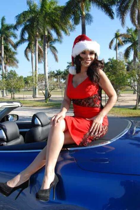 Miss República Deportiva 2011, la mexicana Cynthia Piña cumplió su prome...