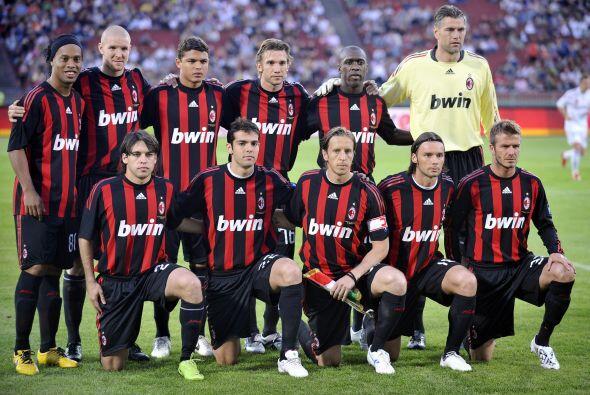En el Milan se reunió con grandes jugadores como Kaká, Ron...
