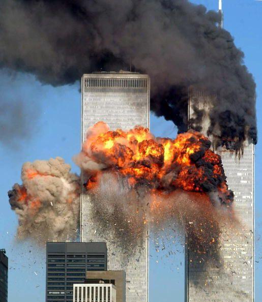 """Nueva York 2001 """" Dos aviones se estrellaron contra las torres geme..."""