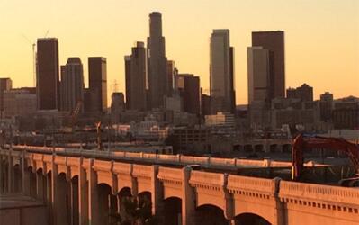 Puenta de la calle Sexta en Los Ángeles