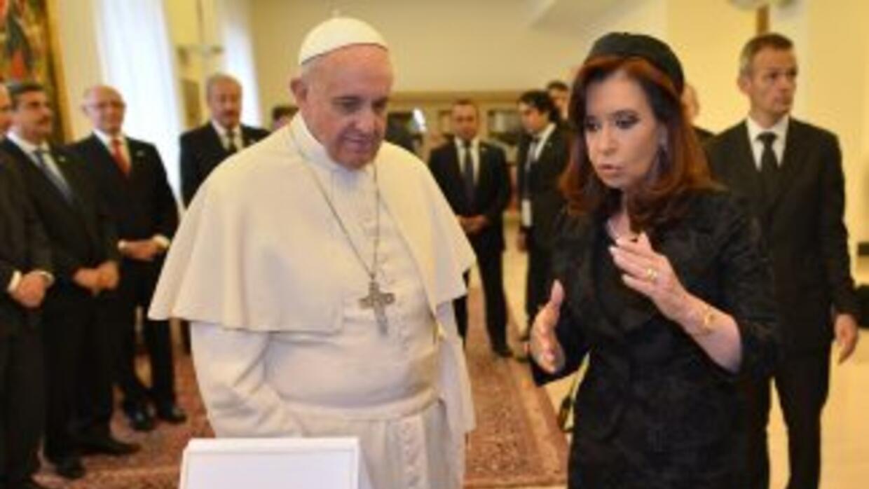 El papa Francisco junto a la Presidenta argentina, Cristina Fernández.