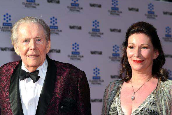 Peter, junto a su hija Kate, quien agradeció muestras de cari&nti...
