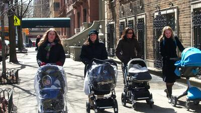 images_article-images_wondering-how-to-make-friends-with-other-moms_sked...