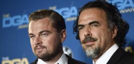 Alejandro González Iñárritu, acompañado por Leonardo DiCaprio