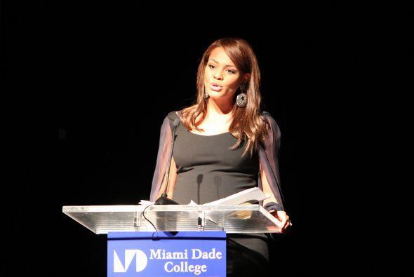 Ilia Calderon fue la maestra de ceremonias de este evento.