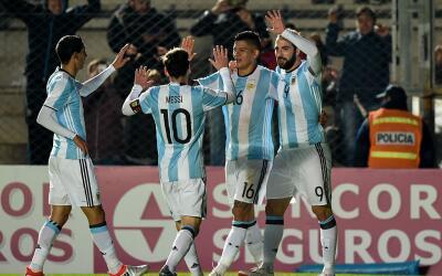 Argentina celebra el único gol ante Honduras.