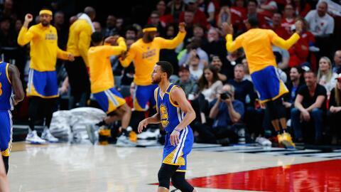 Stephen Curry guió el triunfo con 37 puntos antes de sentarse en...