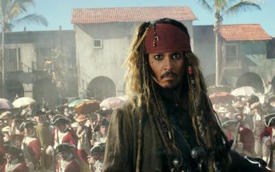 """Johnny Depp en el papel de Jack Sparrow en una escena de """"Piratas del Ca..."""