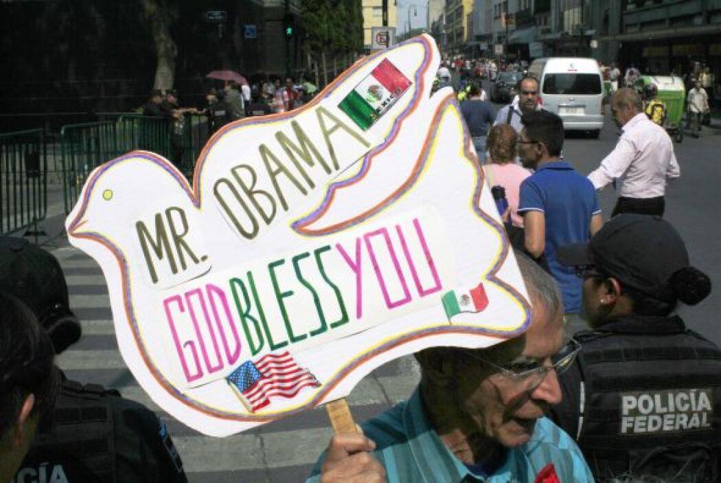 Algunos mexicanos se dieron tiempo para manifestar buenos deseos al mand...