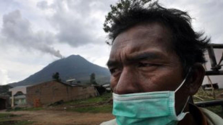 Con el Sinabung, hay ahora en Indonesia 69 volcanes en actividad.