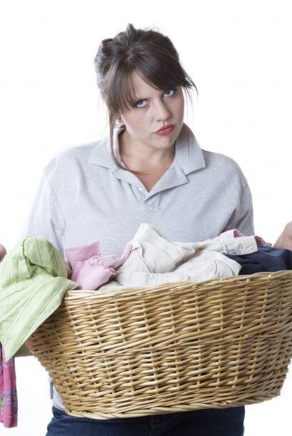 Toda ama de casa sabe cuán molesto es sacar las prendas de la lav...