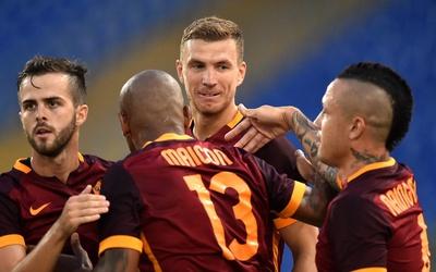 Edin Dzeko marcó un doblete en su presentación en el Olímpico de Roma.