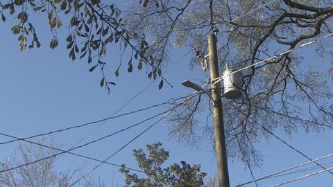 Tormenta deja a 50,000 hogares sin energía eléctrica