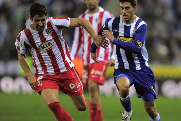 Un gol de tiro libre de Luis García significó el 1-1 final, que no bastó...