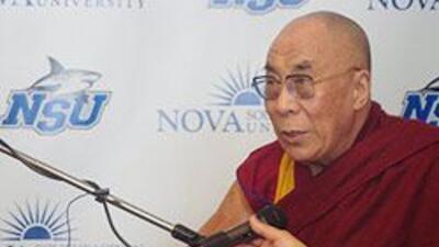 El Dalai Lama estuvo en Miami y habló con Univision 2d52d7f3c1284bd5b8d3...