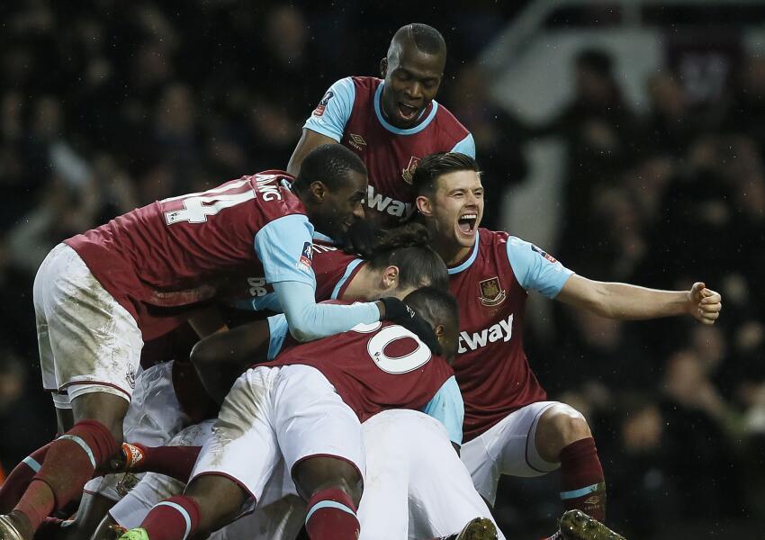 West Ham venció 2-1 al Liverpool