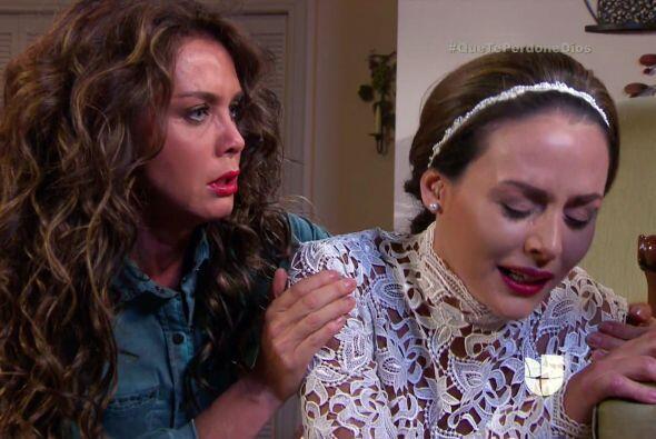 Y Macaria llega para consolar a su hija ¡pero qué mala madre es!