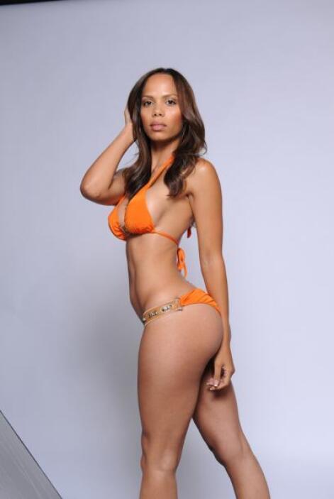 Jen dice que tiene ese cuerpo tan bien torneado gracias al Yoga.