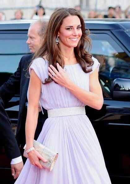 La duquesa de Cambridge para toda ocasión lleva un fantástico bolso en m...