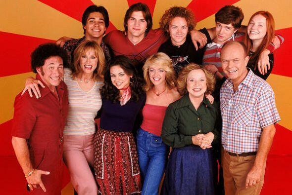 Lisa Robin Kelly La rubia actriz (cuarta, de izq. a derecha, junto a Mil...
