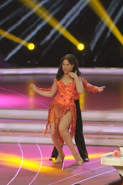 Bianca Marroquín bailó por segunda vez pero esta ocasión acompañada de J...
