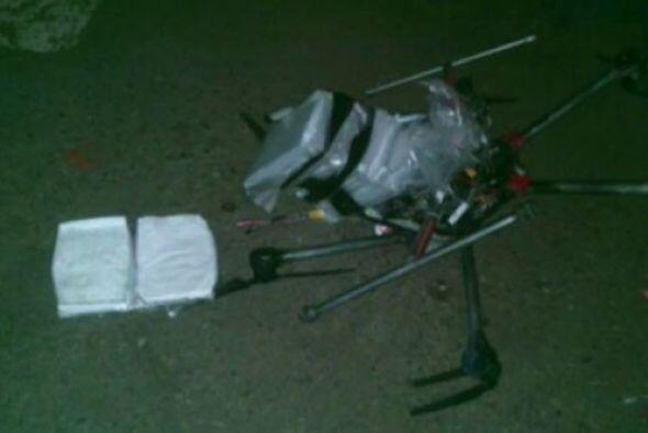El informante, no identificado, describió que del artefacto llevaba paqu...
