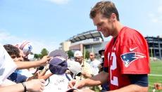 Fans durante el training camp de los Patriots (AP-NFL).