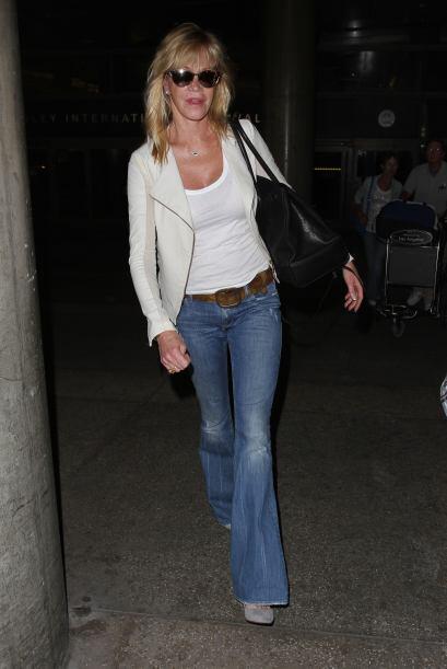 Lo puedes combinar con unos 'jeans', como Melanie Griffith.