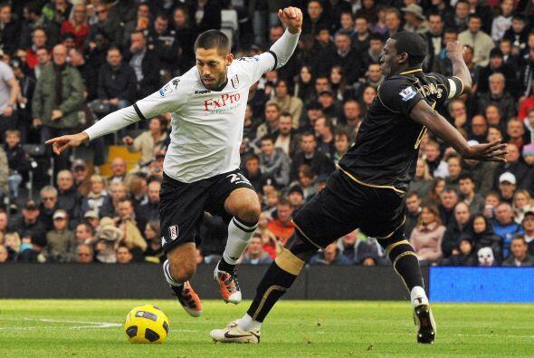 Fulham tuvo a un inspirado Clint Dempsey y superó al Wigan por 2 a 0.