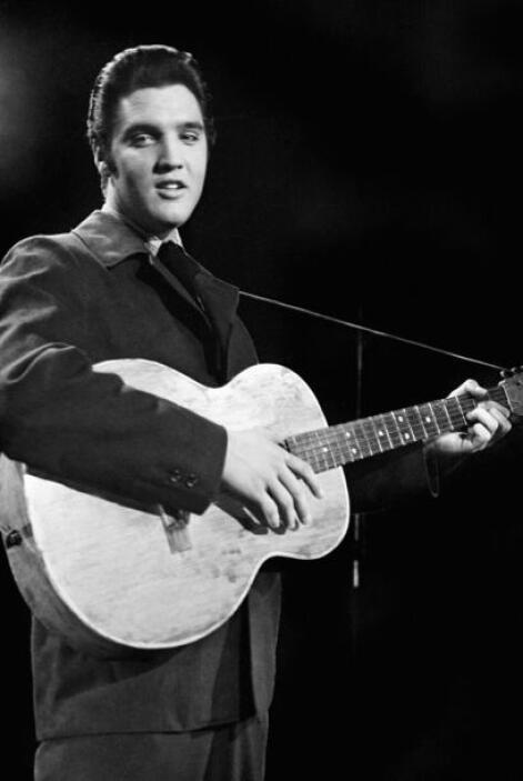 Lo más curioso de todo es que el famoso cantante afirmó que era sumament...