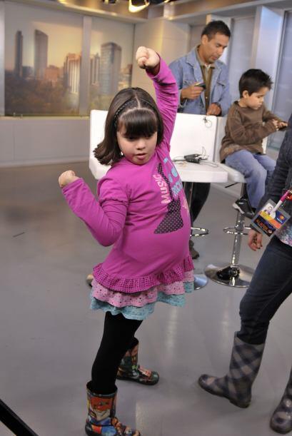 Karlita es una fanática del baile, en especial de la cumbia y el reggeaton