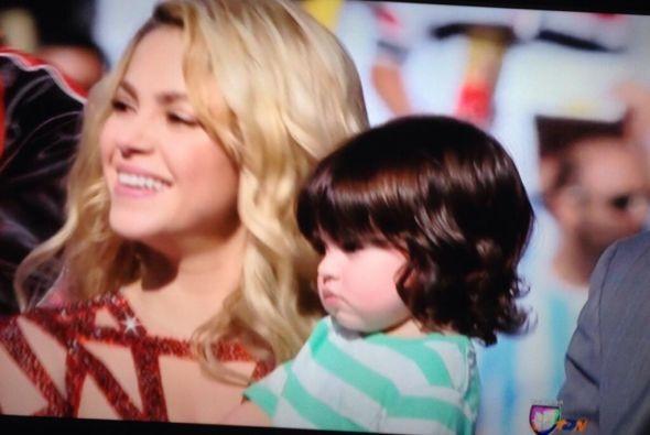 Shakira y Piqué en la tele. Mira aquí los videos más chismosos.