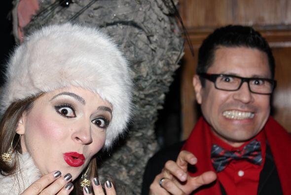 Heidi y Sergio también se fotografiaron con el enorme roedor.