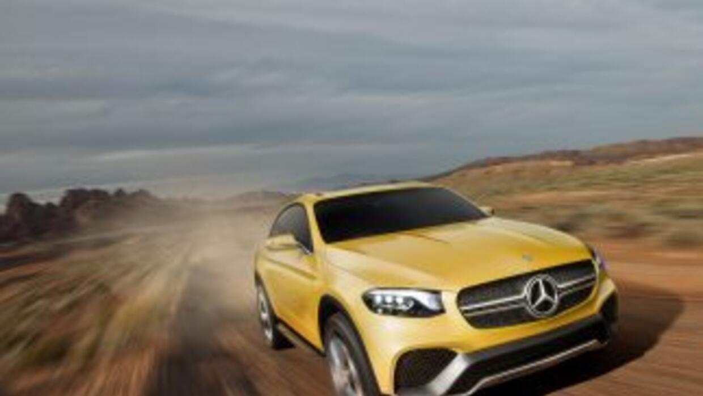 El Mercedes-Benz Concept GLC Coupedevelado oficialmente este mes durant...