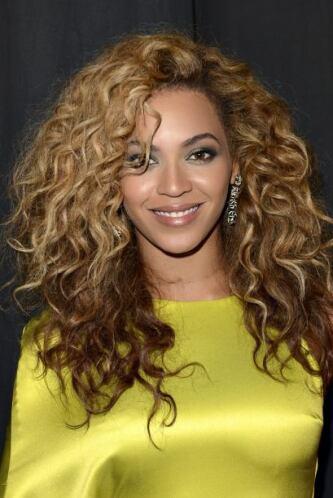 ¿El alter ego de Beyoncé es Sasha Fierce? Nosotros creemos que debería c...