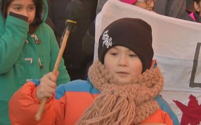 Maestros, padres y alumnos protestan por posible cierre de anexo de Sewa...