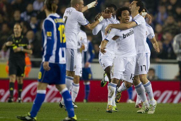 El Real Madrid se acercó a 5 puntos del Barcelona con la victoria...