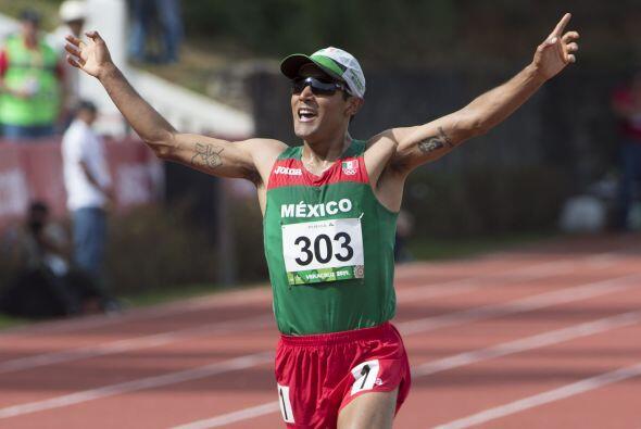 El mexicano Juan Luis Barrios agregó a su vitrina de preseas su s...