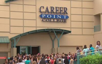 Estudiantes de Career Point College recibirán sus papeles de graduación