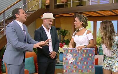 El Momentazo de la Semana: Karla recibió tremendo regalo luego de mostra...