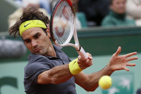 Con tres sets cedidos en lo que va de torneo, Federer espera en cuartos...