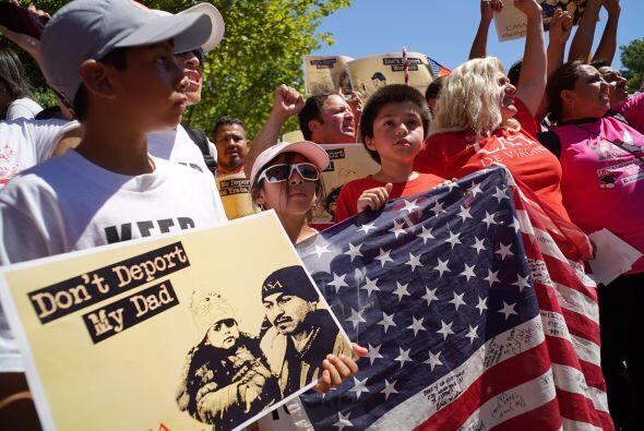 Niños inmigrantes, hijos de padres indocumentados, también marcharon en...