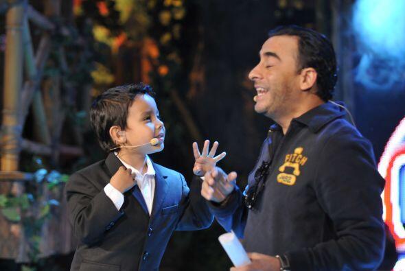 Por su parte Javi ha aprendido mucho del comediante y goza de ponerlo en...