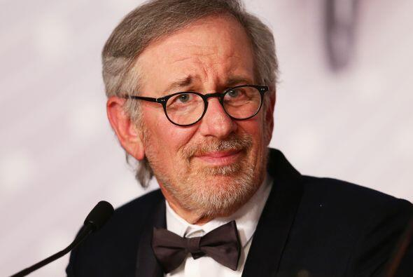 3. Steven Spielberg  Ganancias netas: $100 millones.  Presencia en radio...